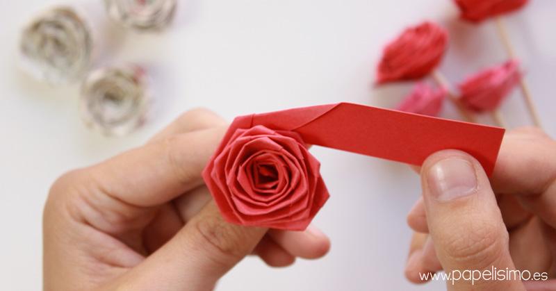 C mo hacer rosas enrollando una tira de papel quilling - Como se hacen flores de papel ...