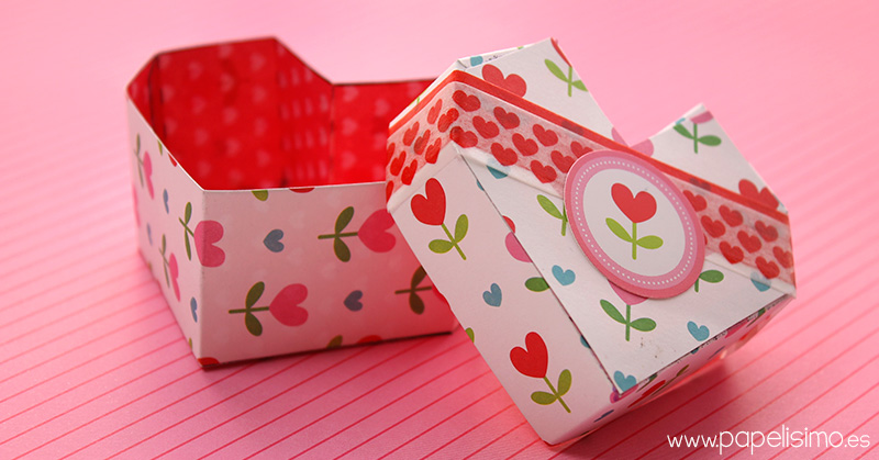 Caja-de-cartulina-corazon-con-plantilla-heart-box