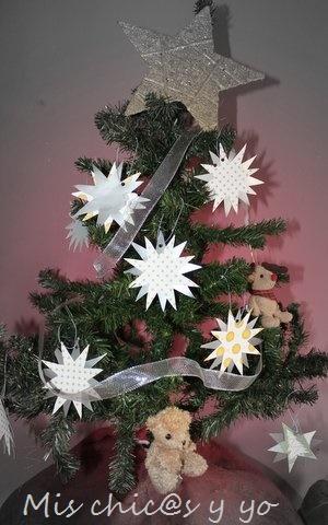Arbol decorado con estrellas