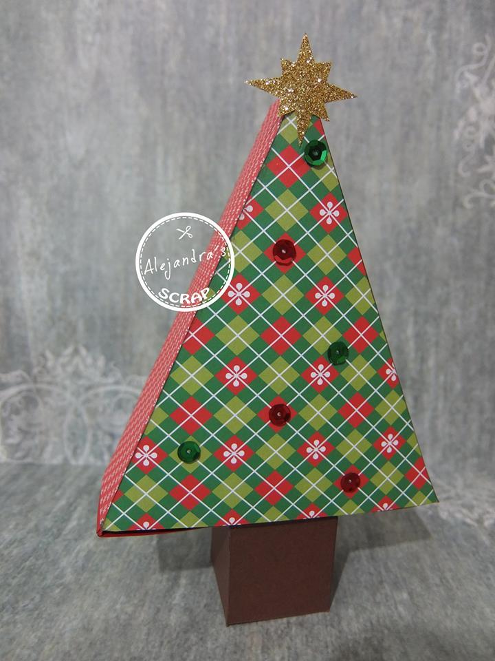 Caja con forma de arbol de Navidad